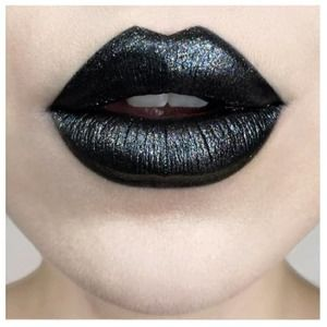KVD Everlasting Glimmer Veil Lipstick Wizard